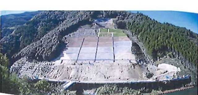 2010年11月 中段掘削完了・上部フレーム完了