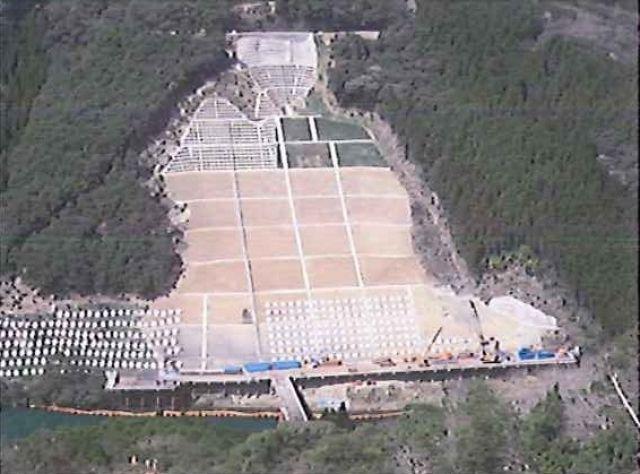 2011年4月 下部擁壁場所打杭施工